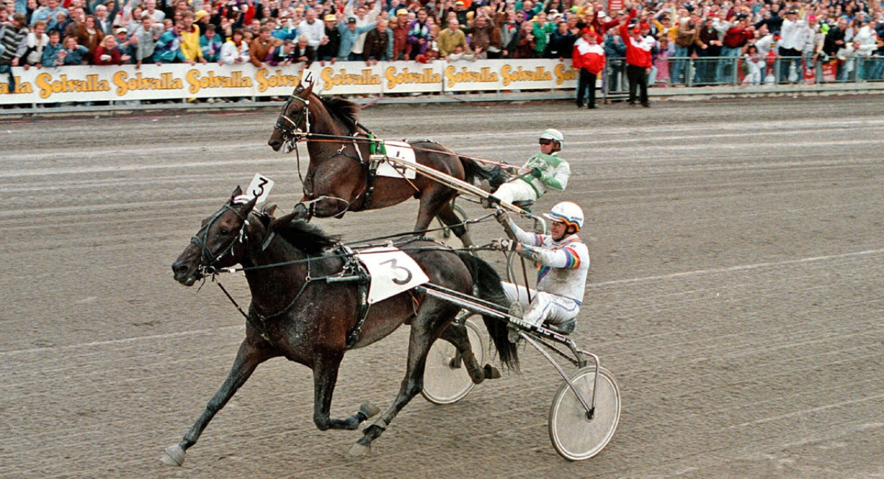 Copiad gick segrande ur Elitloppsduellen mot Pine Chip 1994. Foto: Stalltz.se
