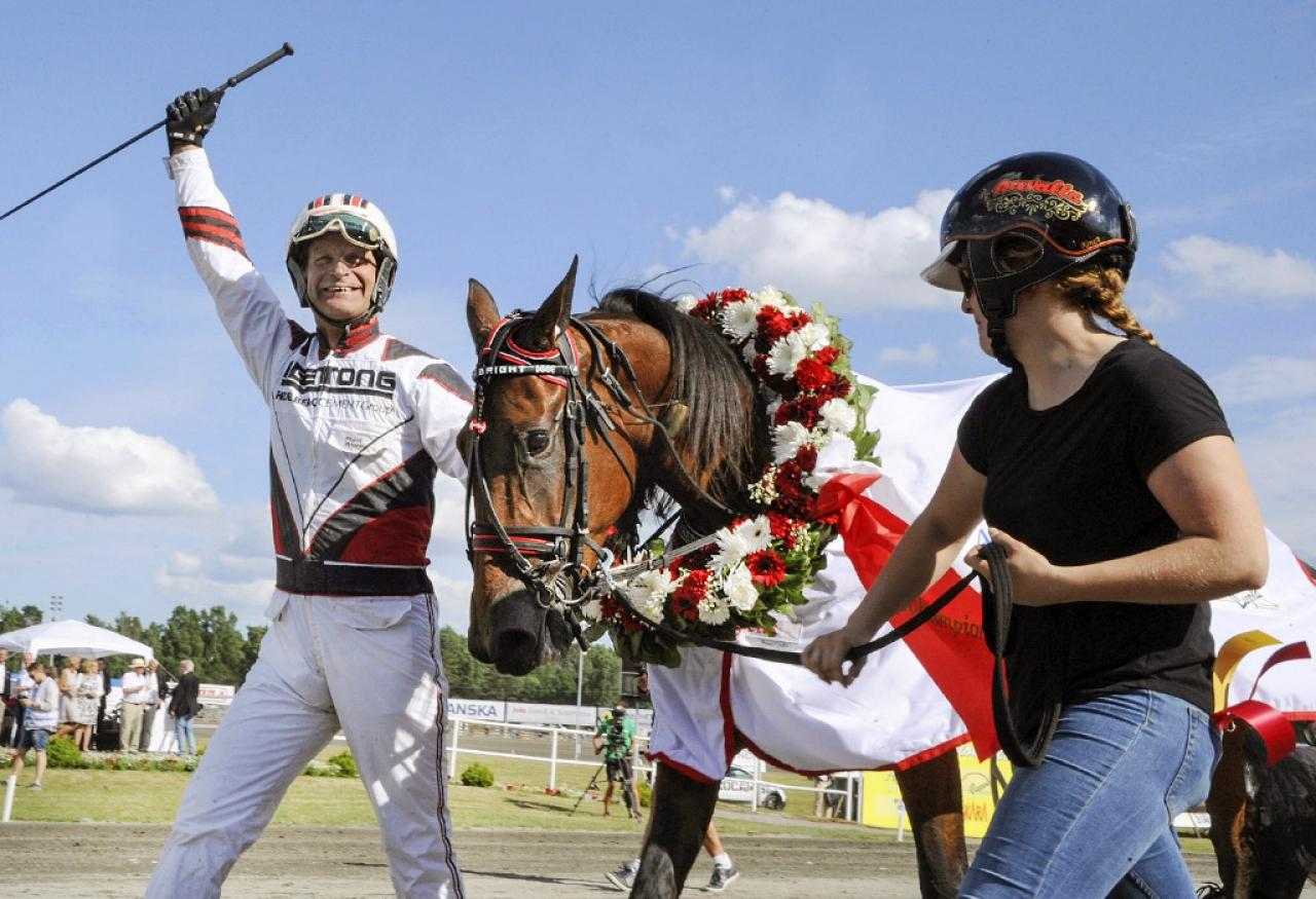 Förra året fick Fredrik Persson ta emot Axevallapublikens jubel efte Ultra Brights seger i Stochampionatet. Vem vinner i år? Foto Adam Ström/Stalltz.se