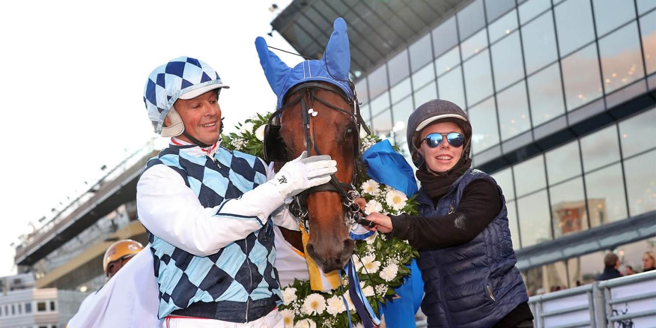 Fjolårets Europaderby-vinnare Drole de Jet hade inga problem att vinna comebackloppet i belgiska Mons. Foto Mia Törnberg