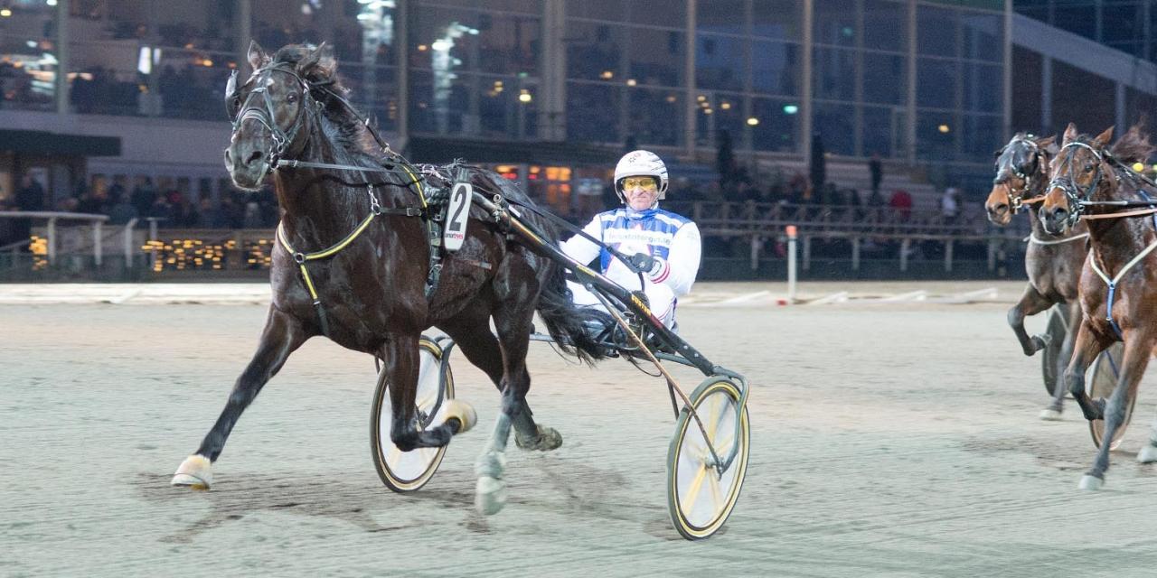Mats Rånlunds Olle Rolls ståtar med fyra raka segrar. Foto ALN