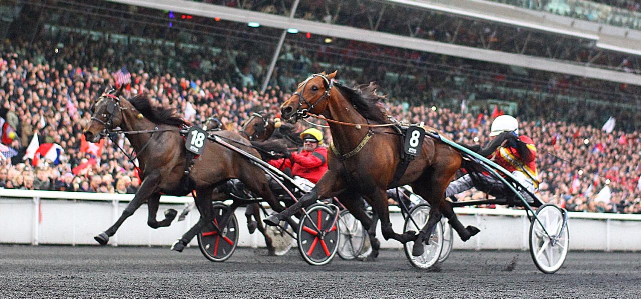 Readly Express och Björn Goop vinner Prix d'Amérique före Bold Eagle och Propulsion. Foto Elliott Chouraqui/Scoopdyga..com