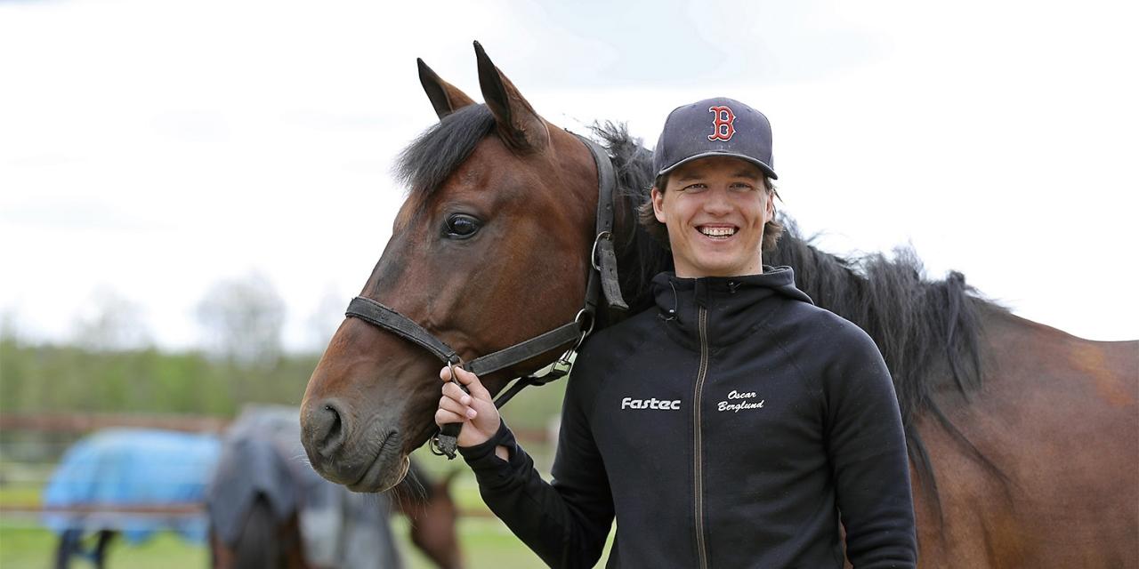 Cobourg Hanover och tränaren Oscar Berglund. Foto Mathias Hedlund