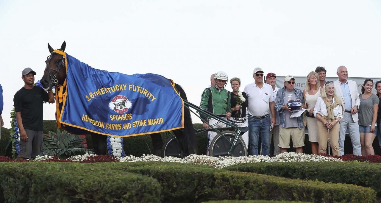 Six Pack efter segern i Kentucky Sire Stakes där han travade 1.07,9. Foto: Jeannie Karlsson/Sulkysport