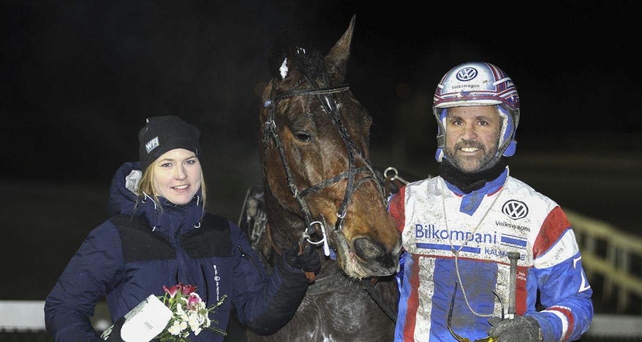 Johanna Bodevind startar Esteban S.T. i morgondagens Klass II-final på Solvalla. Foto Jörgen Tufvesson/ALN