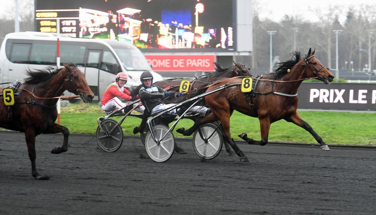 Mindyourvalue W.F. tog i Prix de Lillöe tredje raka segern på Vincennes i vinter, denna gång körd av Björn Goop. Foto: Gerard Forni