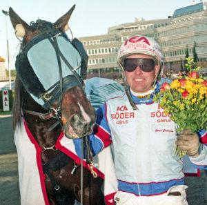 Sören Eriksson besökte vinnarcirkeln med Wesgate Crown på Solvalla.
