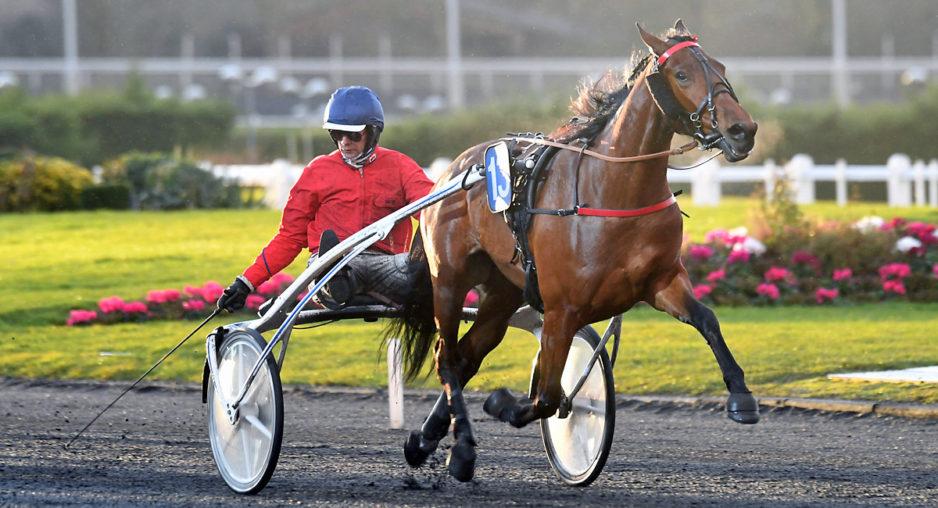 Elea Madrik tog sin fjärde vinst i karriären på sju starter för William Bigeon. Foto Gerard Forni