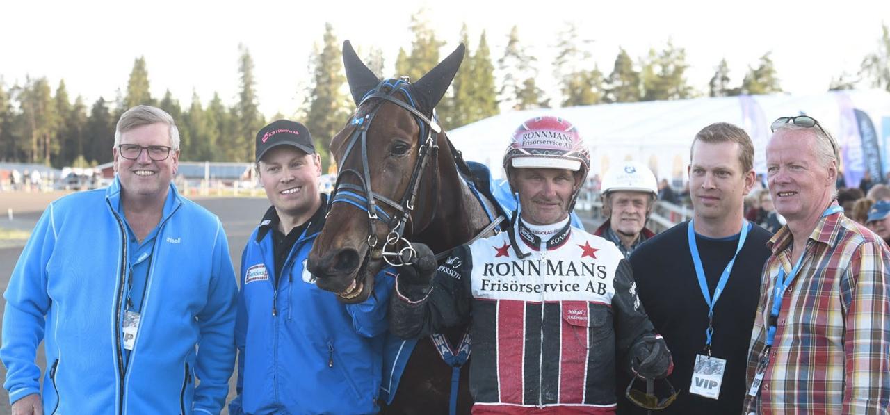 Southwind Feji efter en av sina 13 segrar förra året. Foto: Magnus Strömsten/ALN