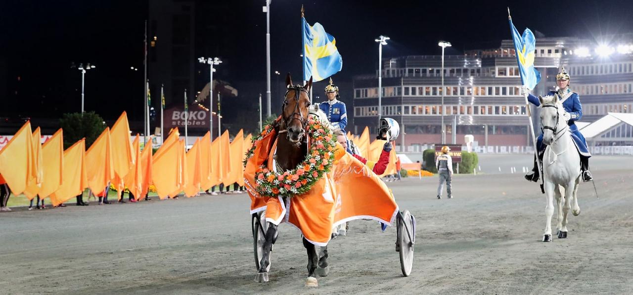 Readly Express vann Jubileumspokalen på det nya världsrekordet 1.09,9a/2.140 meter. Foto Mia Törnberg
