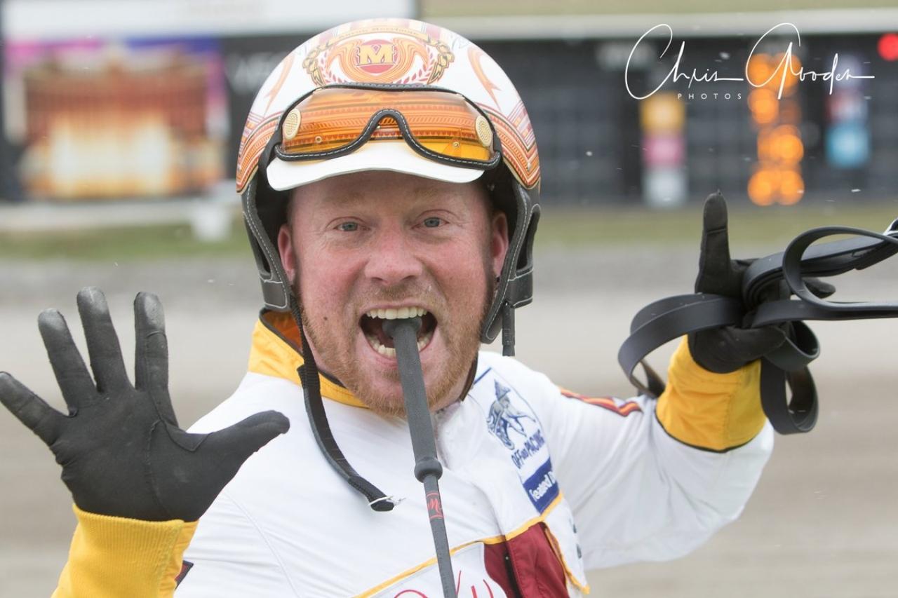 Aaron Merriman vann sitt 10.000:e lopp igår på Meadows. Foto: Chris Gooden