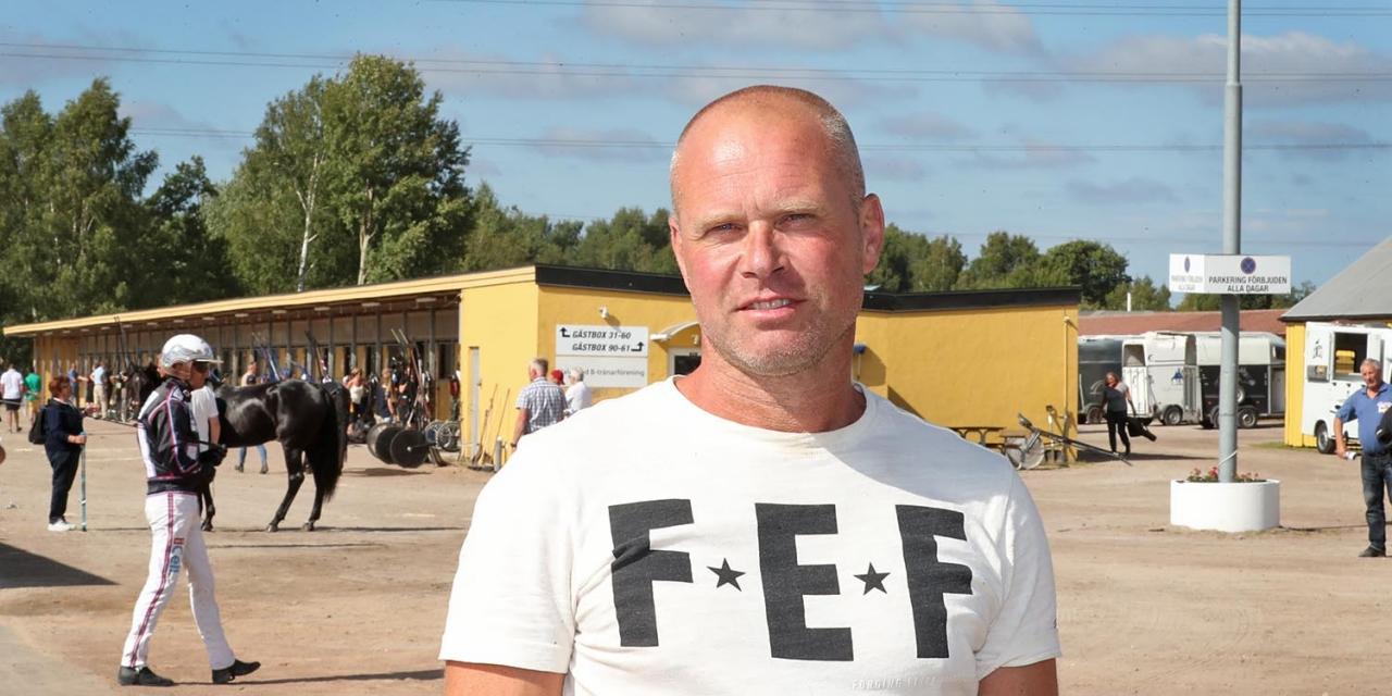 Niclas Benzon blev kuskchampion i Arvika för andra året i rad. Foto: Mia Törnberg/Sulkysport