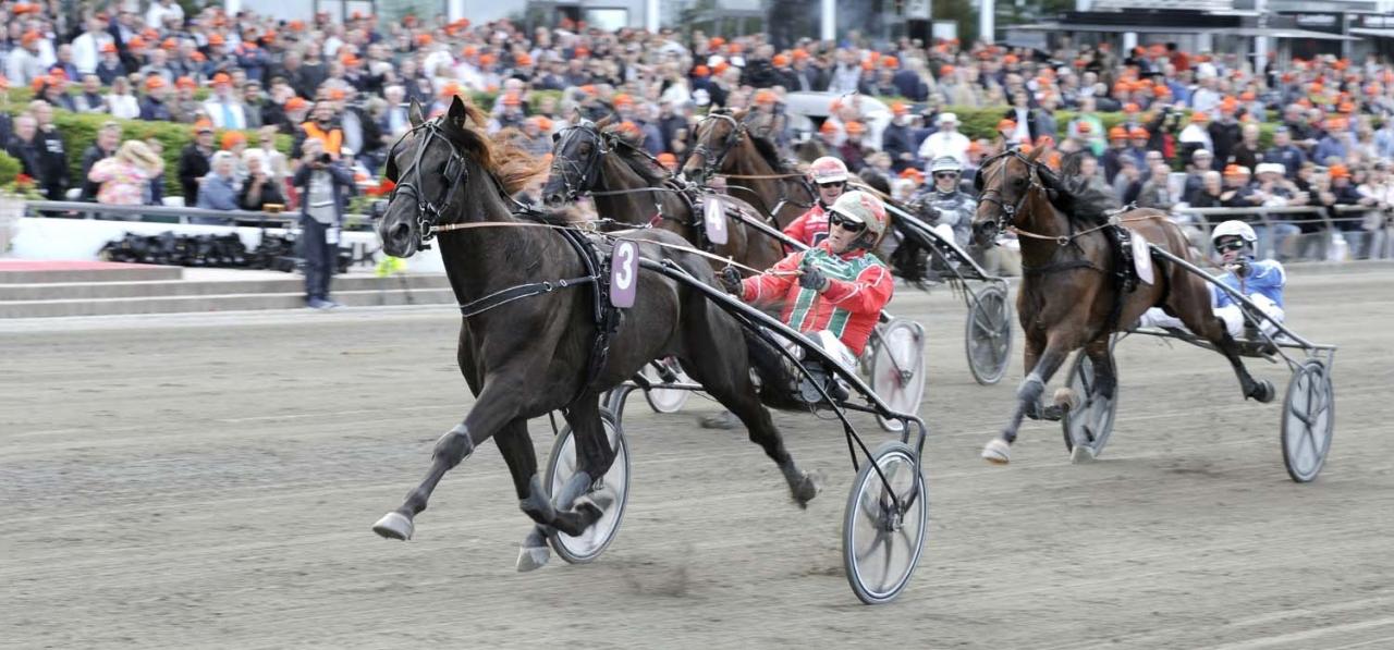 Staro McMillan och Steen Juul vid en tidigare seger på Lunden. Foto Jörgen Tufvesson/ALN