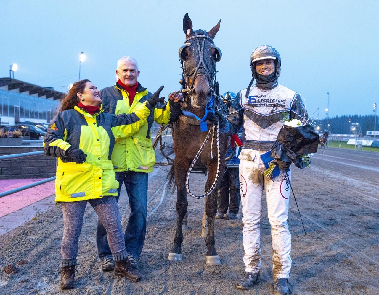 Baron Gift vann V75-lopp med Rickard Svanstedt. Foto: Johan Grundin/ALN