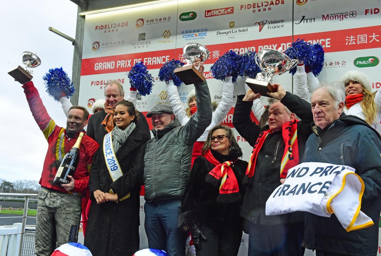 Readly Express var suverän i Prix de France idag och det fanns anledning till stor glädje i svensklägret. Foto: Gerard Forni