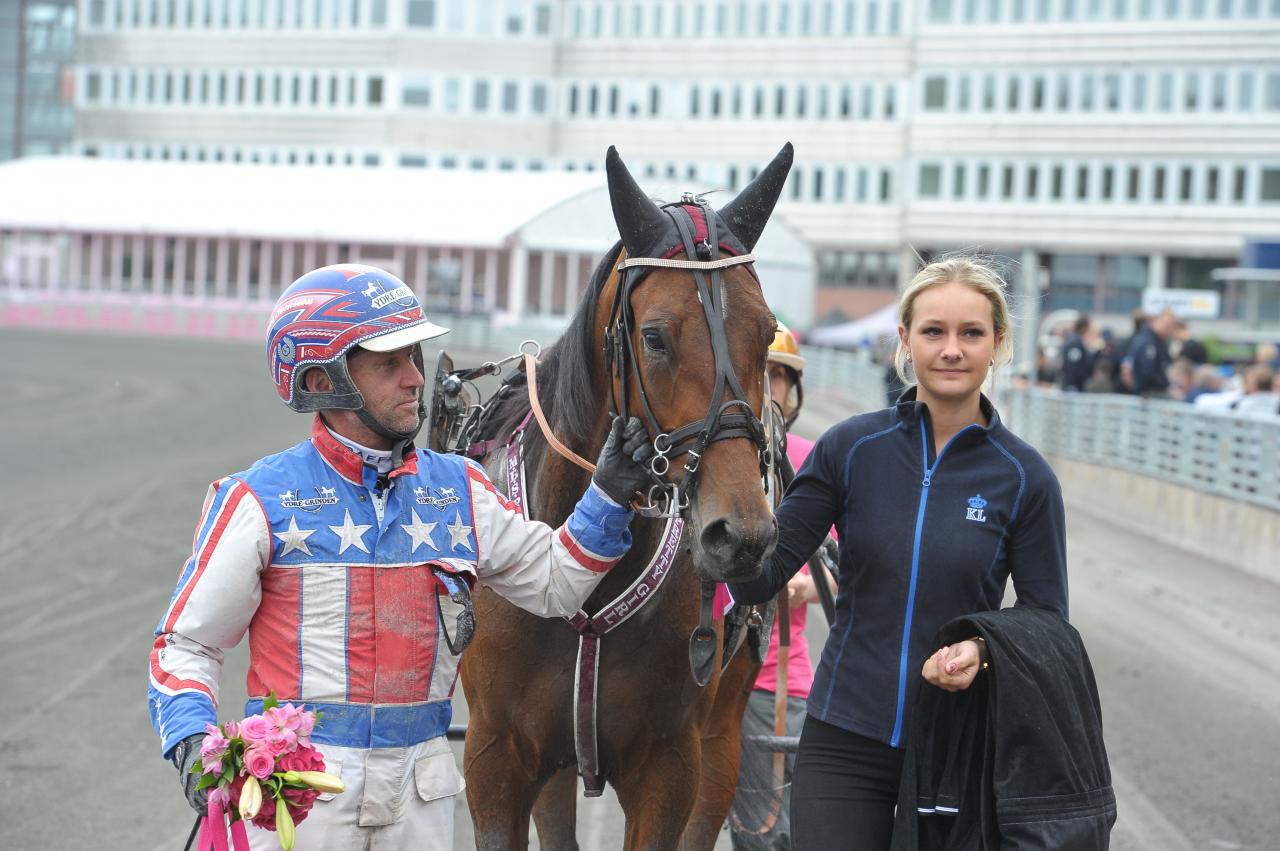 Claes Svenssons M.B.S.Pretty Girl. var en av två vinnare i ASVT:s Auktionslopp för ston. Foto: Simon Hagen/Sulkysport