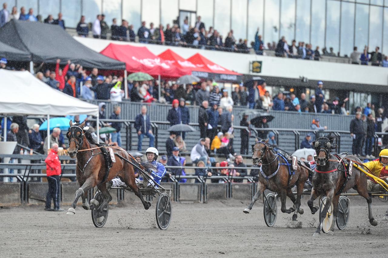 Det var en rejäl spurt Vitruvio och Jorma Kontio stog för i Oslo Grand Prix. Foto: Simon Hagen