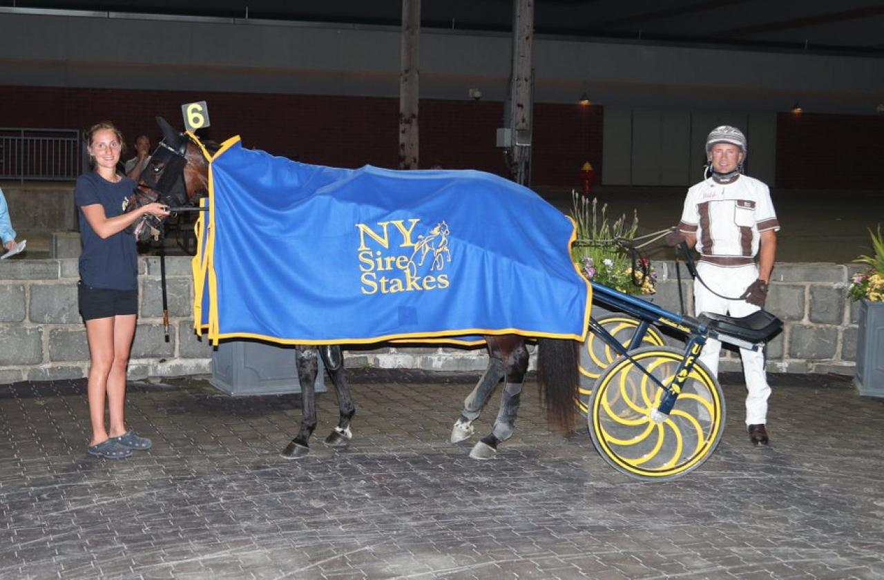 Mikaela Melander, Brian Sears och Hypnotic Am vid en tidigare seger. Foto: Mike Lizzi