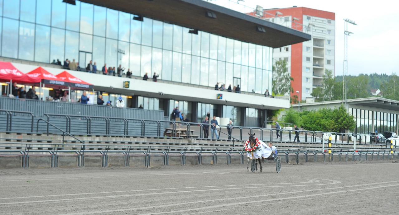 Vitruvio och Jorma Kontio segerdefilerade inför en öde publikplats efter Norges största lopp, Oslo Grand Prix i juni i år. Foto SImon Hagen