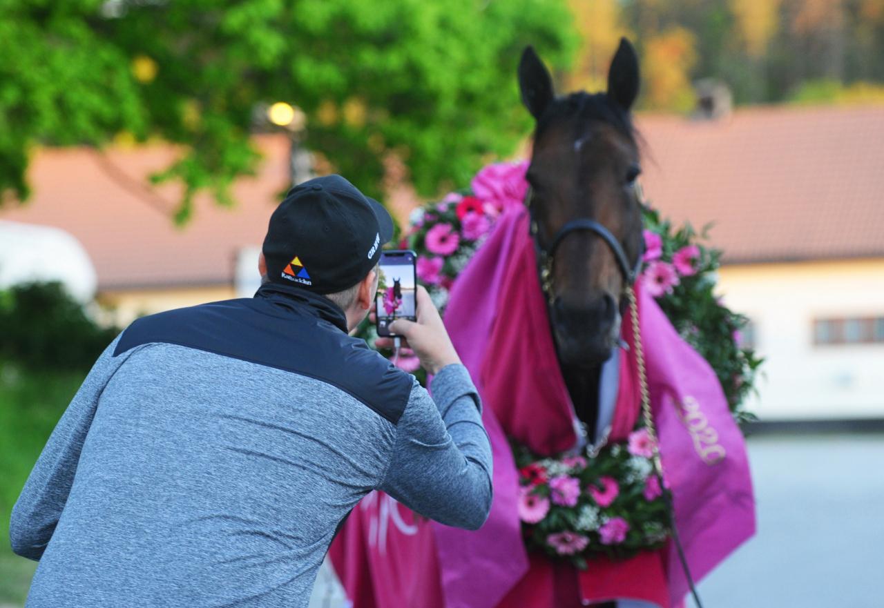 Daniel Redén fotograferar sin ögonsten Propulsion. Foto: Adam Ström/stalltz.se